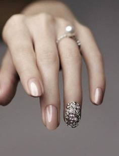 vintage glamourous bling wedding nails