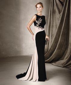 CASIA - Vestido largo con detalle en pedrería Pronovias