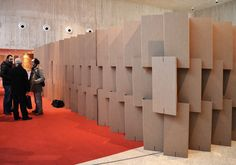 Biombo carton separador separacion exposiciones diseñado por Cartonlab. Folding cardboard screen separator exhibition designed by Cartonlab.