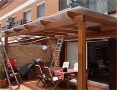 Diferentes tipos de pergoles adosadas con techo de policarbonato, i de techo de bambu www.fustmar.com