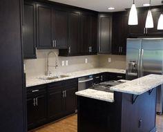 Kitchens-with-Dark-Cabinets