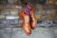 Loake brogues look brilliant with some great socks.#DeadSoxy