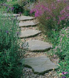 ideen für gartenweg stein naturform