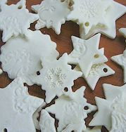 100_4123 Cookie Cutters, The 100, Cookies, Christmas, Diy, Food, Cold Porcelain, Play Dough, Bricolage