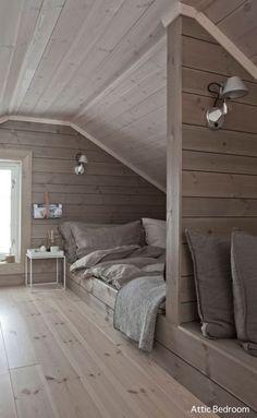 Ideas for design interior loft attic spaces Attic Bedroom Storage, Attic Bedroom Small, Attic Bedroom Designs, Attic Playroom, Attic Design, Attic Bathroom, Attic Spaces, Bedroom Loft, Interior Design