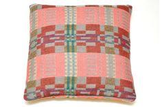 Bora Da square cushion