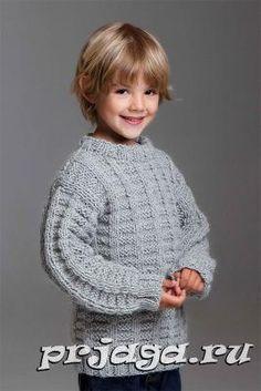 Пуловер спицами для мальчика вафельным узором