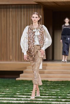 Chanel-Spring-2016-Haute-Couture-Runway24