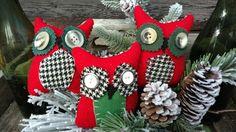 Primitive HOOT OWL bowl fillers, shelfsitters, wool & buttons #NaivePrimitive #Artist Christmas Stockings, Christmas Wreaths, Christmas Ornaments, Primitive Pillows, Bowl Fillers, Buttons, Wool, Holiday Decor, Create