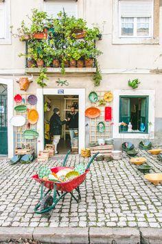 THE FEIRA DA LADRA MARKET | Campo de Santa Clara, 1100-472 Lisboa, Portugal