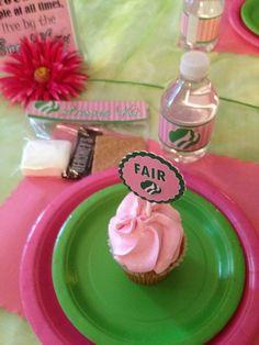 Place settings at a Girl Scout Spa Party! See more party ideas at… Girl Scout Bridging, Girl Scout Troop, Girl Scout Gold Award, Girl Scout Activities, Mommys Girl, Girl Scout Juniors, Girl Scout Swap, Daisy Girl Scouts, Brownie Girl Scouts