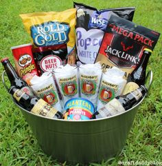 Beer, personalized glasses, and snacks all in one. Beer, personalized glasses, and snacks all in one basket. Alcohol Gift Baskets, Wine Gift Baskets, Basket Gift, Alcohol Gifts, Theme Baskets, Raffle Baskets, Gifts For Beer Lovers, Lovers Gift, Craft Beer Gifts