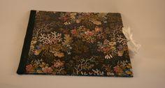 Ich liebe Mappen! Diese hier ist mit  englischem Blumenmuster-Papier überzogen.