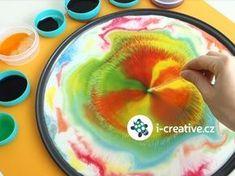 Mléko + saponát + potravinářské barvy = kouzlo, které je doslova barevným koncertem pro oči :-) Děti tento výtvarný experiment zcela jistě učaruje. Pojďte se podívat na video návod a určitě kouzlení s barvami vyzkoušejte! Co budete potřebovat? Materiál: mléko… Projects For Kids, Diy For Kids, Crafts For Kids, Activities For Kids, Educational Games, Science Experiments, Sunday School, Art Education, Montessori