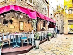 Cozy restaurant in Volterra, Italy @chiclebelle