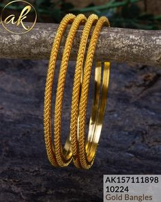 Gold Jewelry Design In India Plain Gold Bangles, Gold Bangles Design, Gold Earrings Designs, Gold Jewellery Design, Gold Jewelry, India Jewelry, Ruby Jewelry, Pandora Jewelry, Bridal Jewelry