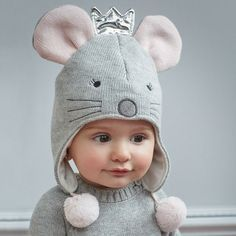 Elegant baby the must have mousie aviator babyhat babyaccessories babygift elegantbaby www elegantbaby comElegant Baby Gifts: where monogramming, elegant gift wrapping and gift notes all define the elegant personalized gifting experience. Baby Turban, Baby Sewing Projects, Sewing For Kids, Knitting Projects, Diy Tricot Crochet, Diy Bebe, Fleece Hats, Hat Patterns To Sew, Baby Bonnets