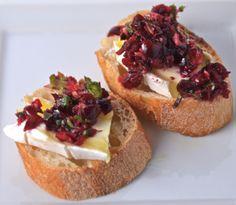 Brie Crostini With Cranberry Salsa