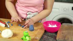 Ostravské Dortíky - Díl šestý :o) Food Videos, Plastic Cutting Board, Youtube, Top, Crop Tee