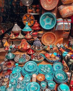 Marrakech style market are just so colorfulThe beauty of Marrakech CreditHappy colors ❤️ hope you're having an amazing day!Moroccan ceramics in all colors Bohemian House, Bohemian Decor, Bohemian Interior, Morrocan Decor, Moroccan Bathroom, Moroccan Lanterns, Moroccan Style, Moroccan Colors, Moroccan Art