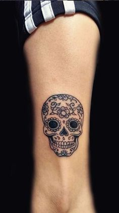 Over 100 unique Sugar Skull Tattoos designs & ideas - Tattoo with . - Over 100 unique sugar skull tattoos designs & ideas – tattoo me now – unique design - Feminine Skull Tattoos, Floral Skull Tattoos, Animal Skull Tattoos, Bird Skull Tattoo, Small Skull Tattoo, Skull Tattoo Flowers, Skull Tattoo Design, Tattoo Designs, Skull Candy Tattoo