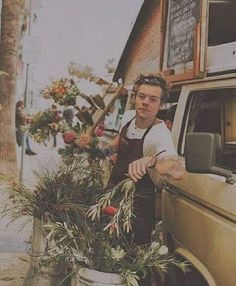 Image about one direction in Harry Styles by Shafa Harry Styles Baby, Harry Styles Fotos, Harry Styles Mode, Harry Styles Pictures, One Direction Pictures, Harry Edward Styles, Kendall And Harry Styles, Harry Styles Girlfriend, Harry Styles Imagines