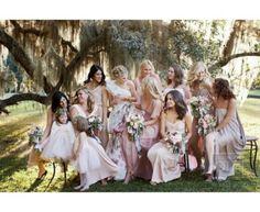 La mariée et ses demoiselles d'honneur - 1001mariages.com