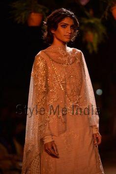 Delhi Couture Week, 2013 Sabyasachi Mukherjee closer!
