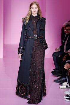Givenchy - Haute Couture Spring Summer 2016 - Shows - Vogue. Fashion Week, Paris Fashion, Runway Fashion, Fashion Show, Fashion Design, Fashion Outfits, Couture Looks, Style Couture, Haute Couture Fashion