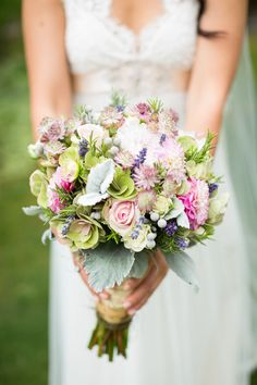 Love the natural garden vibe of this bouquet. Photography by ericdaigle.com, Floral Design by forgetmenotflowers.ca