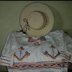 Montuno y Sobrero Ocueño     Vestidos de Gala
