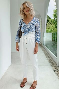 Get your style inspo from the trend collections at In The Style. Find the latest womens fashion trends, shop online before for next day delivery. Tie Waist Trousers, Laura Jade Stone, Summer Outfits, Cute Outfits, Holiday Looks, Love People, Hairstyles Haircuts, Everyday Outfits, Medium Hair Styles