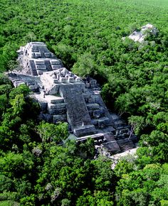 The tallest pyramid at thelarge Maya site of Calakumul 180 feet