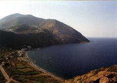 Filicudi, una delle splendide 7 sorelle, le isole Eolie http://eolie.giroilmondo.net/it_IT/searchresults.html?zonasearch=4