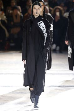 Yohji Yamamoto | Ready-to-Wear - Autumn 2016 | Look 35