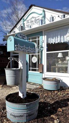 Post a mailbox in the garden | Flea Market Gardening | Flea Market Gardening