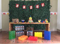 Festa Lego Sustentável com painel de folhagens!!! Lego, Birthday Cake, Desserts, Food, Safari Party, Ideas Party, Dashboards, Creativity, Tailgate Desserts
