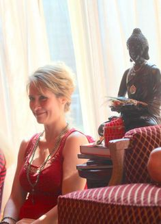 Goddess Aylene perfectly seated by Buddha's statue sharing the gift of the HEART Energy <3