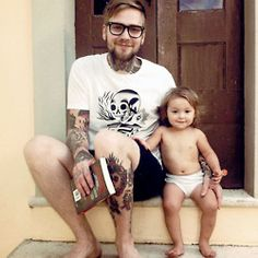 what is it about guys with tattoos and babies? stinkincute.