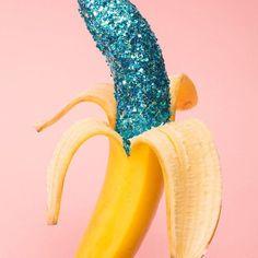 Wallpaper x Milk Magazine's cafè on Bechance Glitter banana art direction. Inspiration Wand, Pop Art, Paper Fruit, Milk Magazine, French Magazine, Banana Art, Blue Banana, Graphisches Design, Interior Design