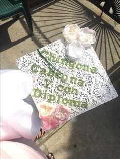 Graduation Cap Toppers, Graduation Cap Designs, Graduation Cap Decoration, Graduation Party Decor, Grad Cap, Graduation Caps, Graduation Ideas, Nursing Graduation, College Graduation Pictures