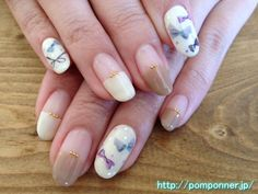 French nail straight with off-white and beige