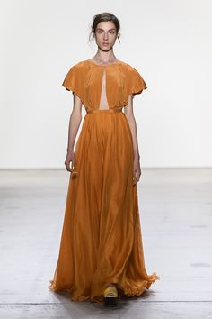 Orange inverted V-neck draped silk chiffon gown with short flutter sleeves and A line silk chiffon chiffon skirt. Couture Fashion, Runway Fashion, Spring Fashion, Women's Fashion, Fashion Trends, Leanne Marshall, Chiffon Skirt, Silk Chiffon, Most Beautiful Dresses