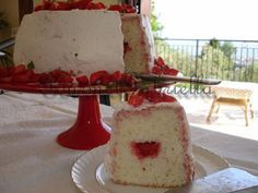 Angel Food Cake Glassato alle Fragole/Strawberries Glazed Angel Food Cake