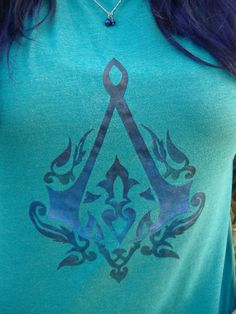 Stencilled Assassin's Creed Shirt. So. Much. Want.