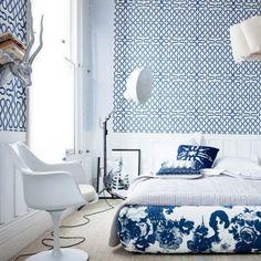 Schön Blaue Muster An Wand Und Polsterbett | Bettkasten, Romantisch Und Tapeten