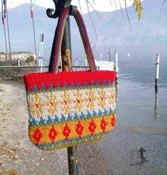 Alpine Tote by NTmaglia worked with Drops Alaska