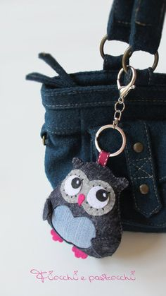 Macrame Bracelet Diy, Bracelet Crafts, Folded Fabric Ornaments, Felt Ornaments, Fabric Toys, Fabric Scraps, Crochet Crafts, Felt Crafts, Sewing Toys
