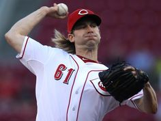 Day 87: Bronson Arroyo, 2006 Reds All-Star. Photo: Reds starting pitcher Bronson Arroyo delivers in September of 2013. Enquirer file photo