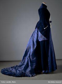 Dress, Augusta Lundin (Stockholm): 1885, velvet, silk.